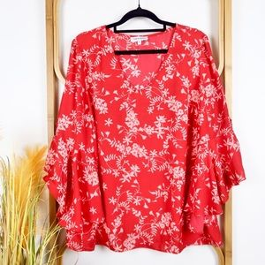 Table Eight top size 16 red floral bell sleeves